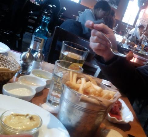 Cafe Hauptwache: Patate fritte nel tegame di ferro