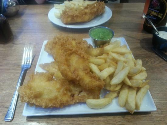 Mr Chips: The excellent fish platter!