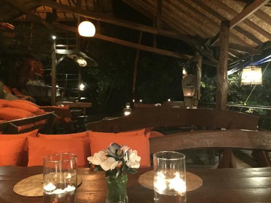 On The Rocks Restaurant at Serendipity : restaurant at night