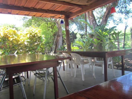 Cabuya Bakery and Cafe: Restaurant side