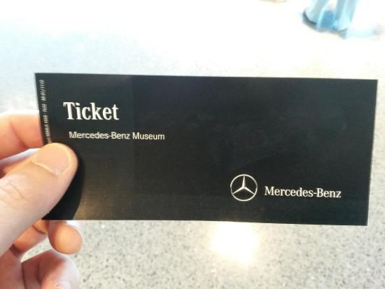 Fachada do museu da mercedes em stuttgart picture of for Mercedes benz tickets