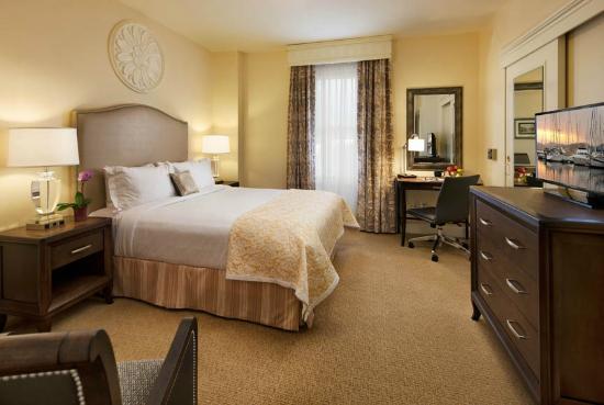 Hotel Santa Barbara: Queen