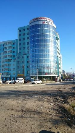 Best Western Gobi's Kelso: The hotel that Gobi's Kelso is behind (go down the right hand side)