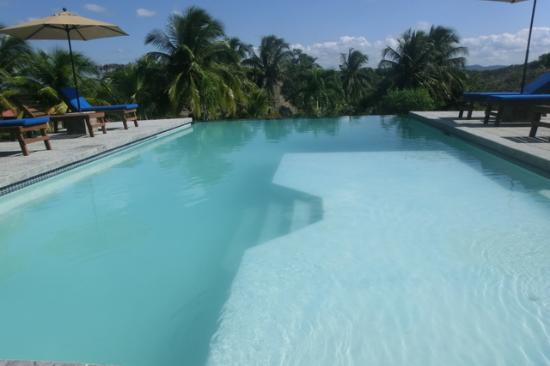 Windy Hill Resort: infinty pool!