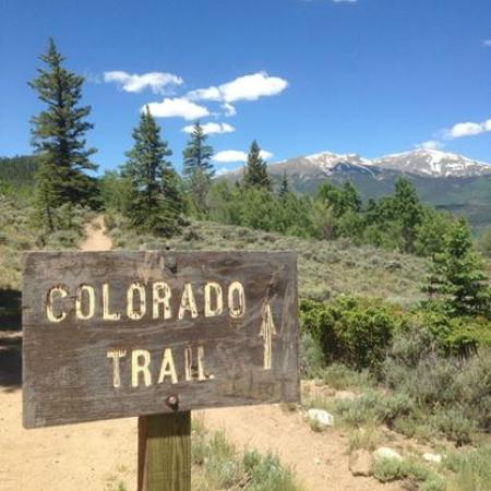 Twin Lakes, CO : At the beginning of the trail to Interlaken