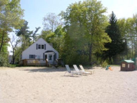 Island View Cottages: Beach House