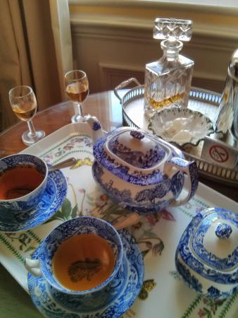 Empire Hotel Llandudno: Anyone for sherry?