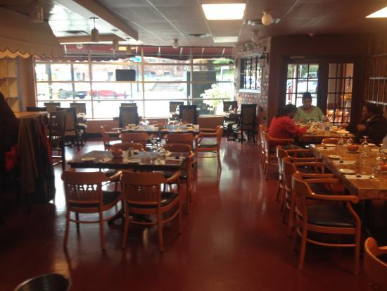 นอร์วอล์ค, คอนเน็กติกัต: Norwalk Ceviche Peruvian Restaurant Seating
