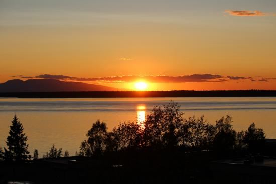 Susitna Place: View of sunset from common balcony