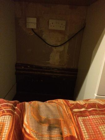 The Clarence Hotel Nottingham: Stained beds and dodgy electrics