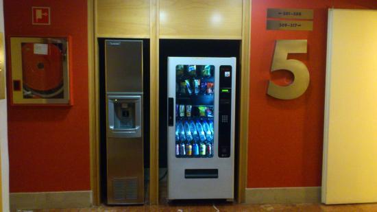 Hotel T3 Tirol: Expendedoras