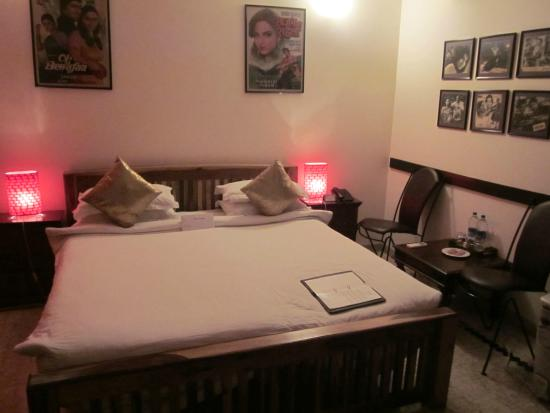 Shanti Home: Vintage Bollywood movie posters decorate the quaint, comfortable suites.