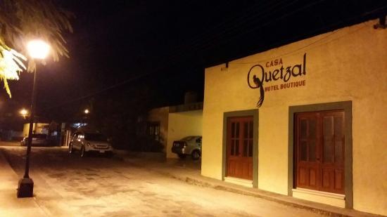 Casa Quetzal: La entrada.