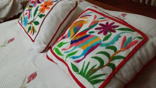 Casa Quetzal: Textiles mexicanos.