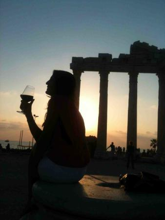 Q SPA Resort: Apollon ruins in Side, perfect at the sunset with a glass of wine