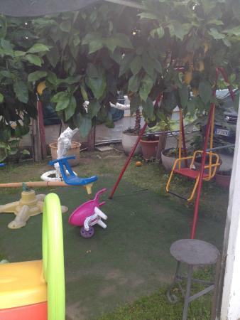 B&B Pompei Il Fauno : Play area in garden