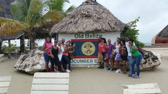 Cucumber Beach : Taking a group picture...fun times!