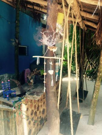 My Tulum Cabanas: Swings in the courtyard