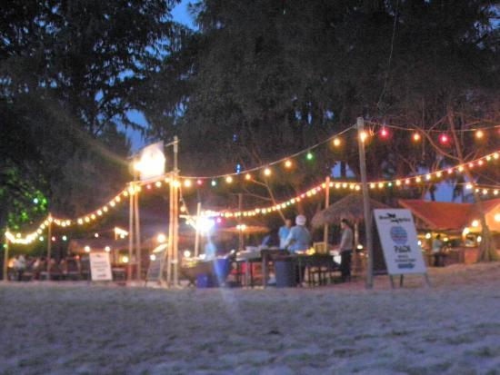 Sayang Beach Bungalows : Dusk at Sayang