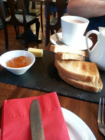 Castle Hotel: Breakfast..