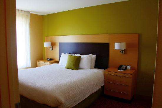 Residence Inn Fayetteville Cross Creek: bedroom