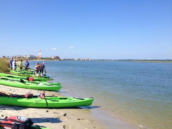 Summertide Adventure Tours: We stopped for a break on the East End of Sunset Beach Island near Tubbs Inlet