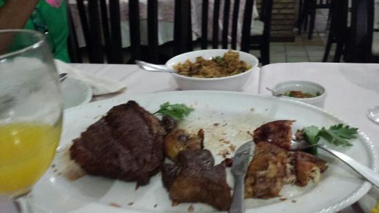 Gibao de Couro: Carnes tostadas demais...e não  foi o solicitado