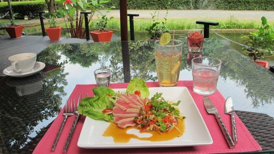 Seared Tuna Salad - Picture of David\'s Kitchen, Chiang Mai ...