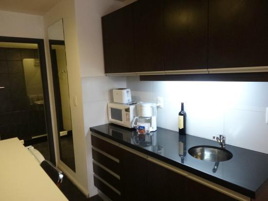 Massini Suites: kitchenette