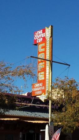 Coffee Cup: Fun small town cafe