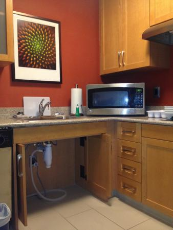 Residence Inn Syracuse Downtown at Armory Square: Cozinha