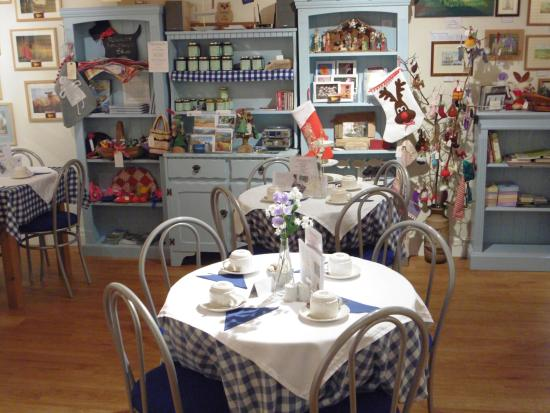 Tea room interior picture of wishing well tea rooms for Tea room interior design ideas