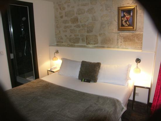 Hotel Le Clos Notre-Dame: Chambre très comfortable et propre