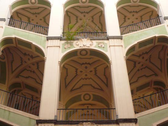 Palazzo dello Spagnolo: Closeup of the stairs