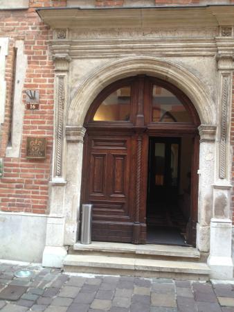 Hotel Copernicus: Front door