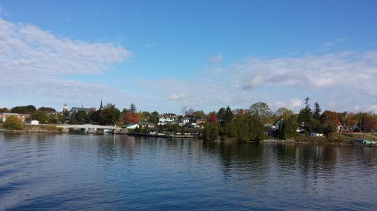 The Gananoque Inn and Spa : The Inn from the water.