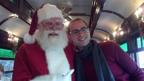 Artist's Inn and Gallery : Lunch on train with Santa