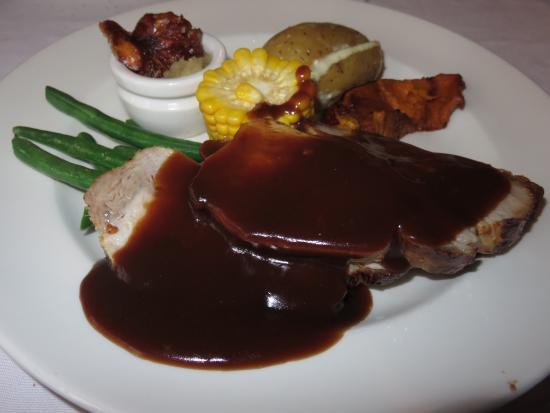 Riverfront Motel & Villas: Delicious Roast Pork