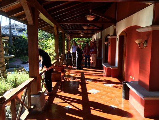 Hosteria Rincon de Puembo: The inner patio of the original structure