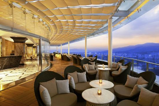 The 18th Lounge Picture Of The Trans Luxury Hotel