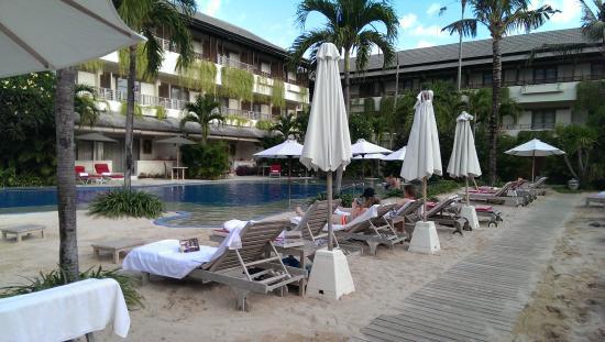 The Breezes Bali Resort & Spa: pool basketball