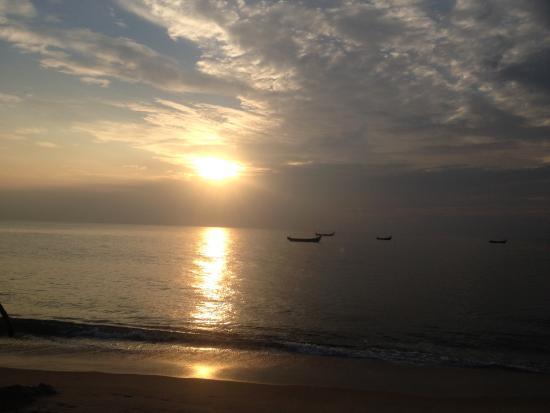 Arthunkal Beach Villa - Homestay: Sunset