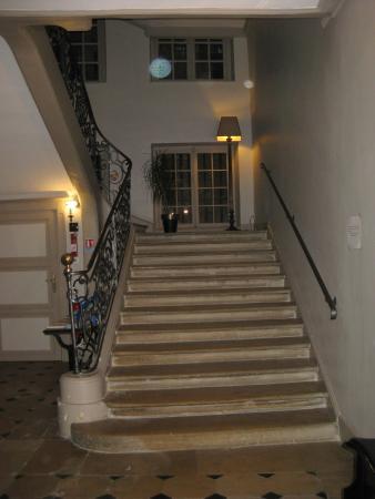 Hôtel de Guise : Main staircase