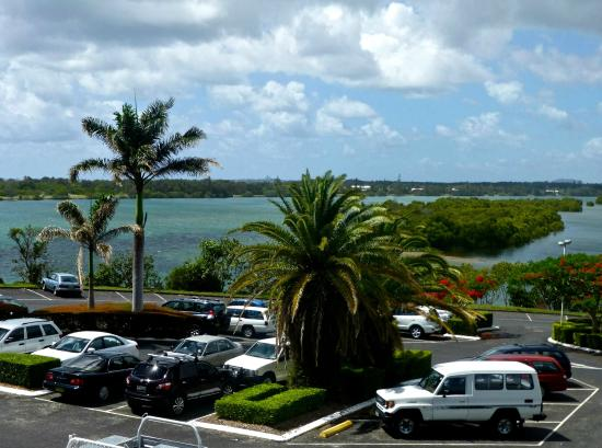 Coolangatta Tweed Heads Golf Club Dining: A cross the car park from the club