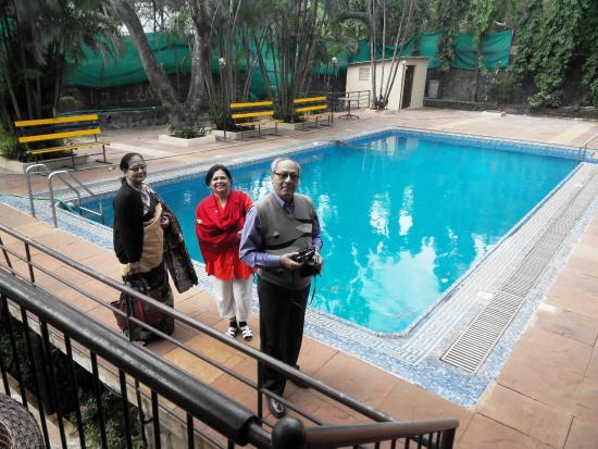 Zara's Resort: Poolside