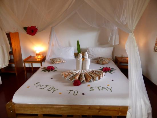 Meru View Lodge : The bed