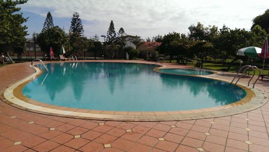 Son Thuy Resort : hồ bơi là thứ tôi hài long nhất ờ đây