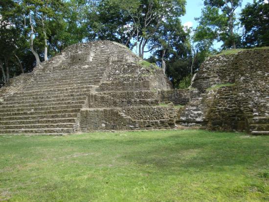 Maya-Ruinen und Museum von Cahal Pech: Temple