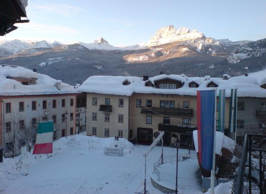 Hotel Cortina: The view from the room window.