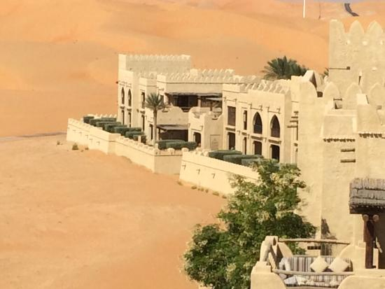 Qasr Al Sarab Desert Resort by Anantara: Fabulous desert resort....